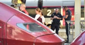 Focuri de armă într-un tren din Franța: trei persoane, rănite. Atacatorul a fost reținut