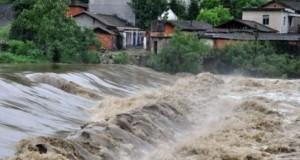 Cod galben de inundaţii pe râuri din şapte judeţe. Zonele afectate