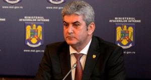 Gabriel Oprea, despre criza imigranţilor: Întărim măsurile de securitate la graniţa cu Serbia!