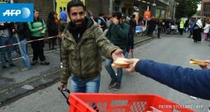 Sute de imigranți blocați la frontiera Turciei cu Grecia au intrat în greva foamei