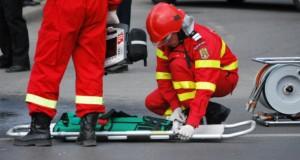 Explozie într-un bloc din Botoşani. Un mort şi şapte răniţi