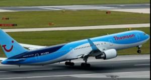 Clipe de panică pentru 200 de pasageri! Un avion a aterizat forțat fără tren de aterizare