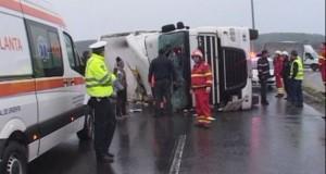 Tir derapat pe A1. Traficul pe sensul accidentului, blocat