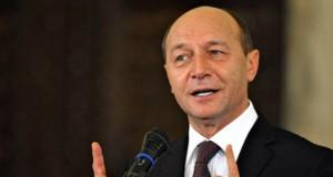 """Băsescu ironizează alegerile interne din PSD: """"Dacă Dragnea pierde, suntem pierduți și noi"""""""
