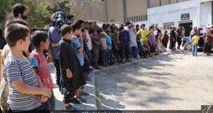 Imagini şocante. Copiii din Siria şi Irak, obligaţi să privească execuţiile Statului Islamic