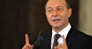 """Băsescu, atac dur la Iohannis: """"Teatrul consultărilor prelungite este o mizerie provincială"""""""