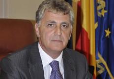 Ponta îl propune pe ministrul Apărării, Mircea Duşa, ca premier interimar