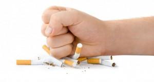 După tragedia din Colectiv, România face un nou pas către interzicerea fumatului în spaţii închise
