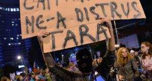 New York Times: Val de furie în România împotriva elitei politice care nu s-a schimbat în 25 de ani