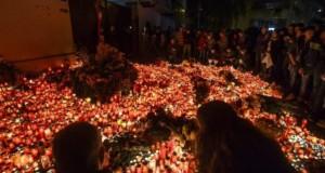 Fotbaliştii naţionalei de tineret au aprins lumânări la clubul Colectiv