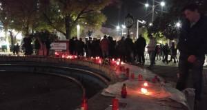 Românii, din nou în stradă! Sute de persoane s-au adunat în Piața Universității