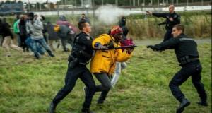 Criza imigranților. Ciocniri violente în Franța: 16 polițiști au fost răniți