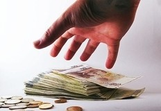 5 mituri care ii impiedica pe romani sa-si plaseze banii in fondurile de investitii