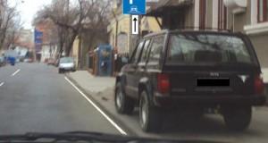 Test auto. Autoturismul din imagine este parcat regulamentar?