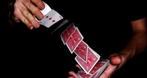Puterea A Patra prezintă magia magicianului Lorenzo Cristian