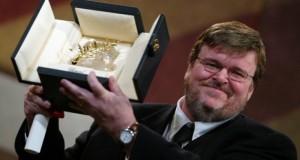 """Michael Moore pregătește un nou Fahrenheit. Regizorul vrea să-l """"dărâme"""" pe Trump"""