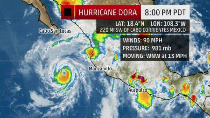 Uraganul Dora se intensifică pe măsură ce avansează paralel cu coastele mexicane