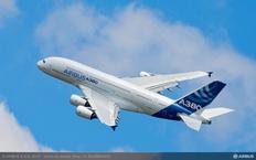 Airbus a 380-100 este cel mai mare avion de pasageri din lume