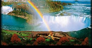 Au SECAT Cascada Niagara pentru teste şi curăţenie. Dar ce au găsit sub apă e îngrozitor