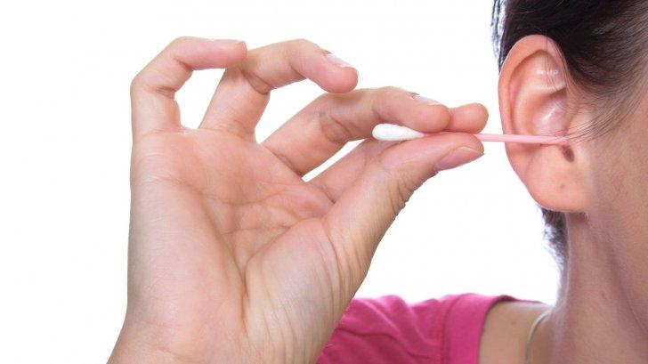 Credeai că faci CORECT igiena urechii? GREŞELILE care pot duce la afecţiuni GRAVE