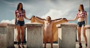 Reclama care i-a scandalizat pe români, filmată de KFC în Turnul Chindiei al lui Vlad Ţepeş