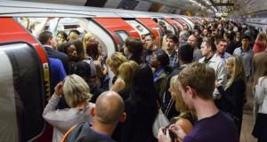 HAOS la metroul din Londra. O pană de curent a cauzat dezordine în centrul capitalei britanice