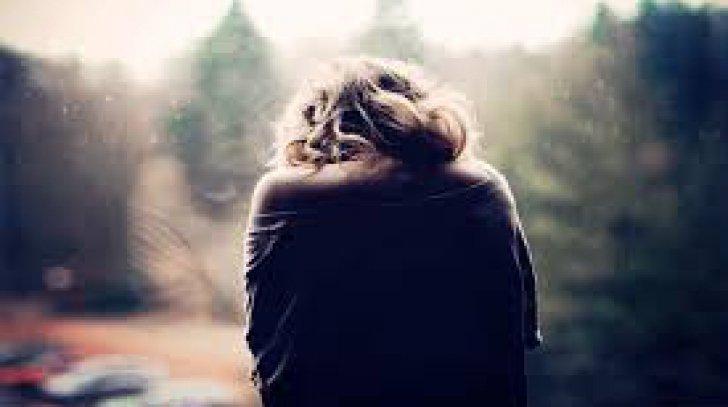 Femeia trecea probabil printr-o depresie
