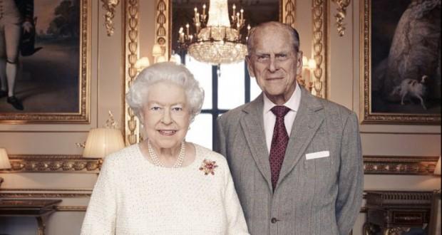 FOTOGRAFIE DOCUMENT cu Regina Elisabeta şi Prinţul Philip, la 70 de ani de căsătorie