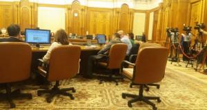 """""""Deputatul mitralieră"""", la comisia specială pentru L. Justiției, cu amendamentele șoc"""