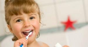Statistică îngrijorătoare. Copiii români sunt codaşii Europei la spălat pe dinţi