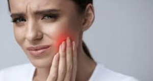 Remediul natural și simplu care te scapă de durerile de dinți