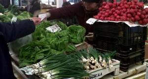 Mare atenţie! Greşeala pe care multă lume o face când cumpără salată şi ceapă verde sau ridichii