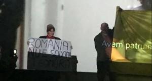 """Un nou protest la MȚR, față de filmul """"120BPM"""". """"Muzeul trebuia să aducă un elogiu țăranului român"""""""