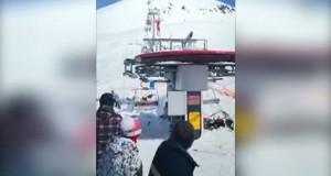Clipe de coşmar pe o pârtie de schi: Cel puţin 10 răniţi
