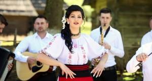 Maramureș -Interviu cu artista de muzică populară Crina Barani-Dragostea  pentru muzică o am de mică