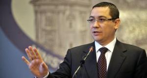 """Ponta, la un eveniment contestat de Macovei: """"Sunt recunoscător că aţi avut curaj să mă invitaţi"""""""