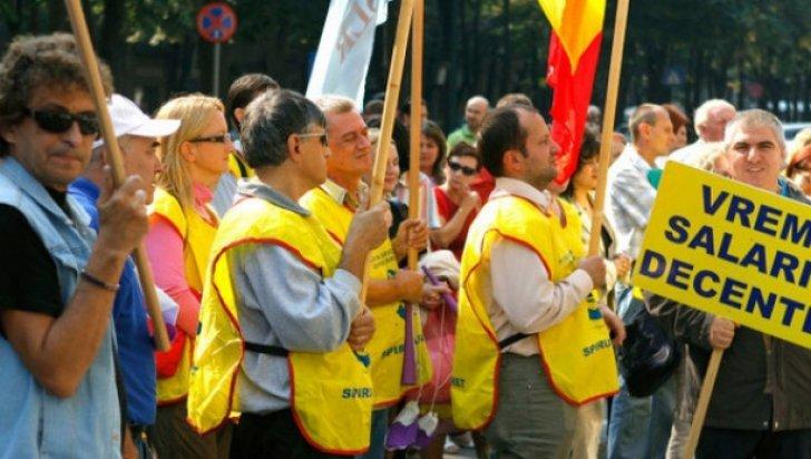 Salariile au scăzut, spun sindicatele