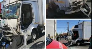 Accident pe centură: o victimă a rămas captivă între fiarele mașinii