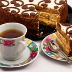 Cafeaua ne face să mâncăm mai multe dulciuri? Care este legătura între băutura magică şi zahar