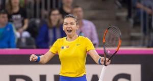 Simona Halep a înfrânt-o pe Caroline Garcia. România conduce Franța la FED CUP