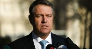 Iohannis atacă la CCR legea care șterge interdicțiile aplicate parlamentarilor până în 2013
