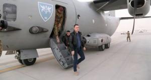 Ministrul Apărării: Viaţa celor opt militari români răniţi în Afganistan, în afara oricărui pericol