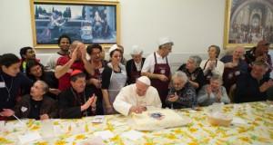 """Papa Francisc """"face cinste"""" de ziua lui! Îl cheamă George"""