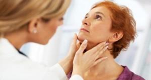 Cel mai simplu mod de a-ţi da seamă că ai probleme cu tiroida. Testul pe care îl poţi face acasă
