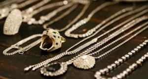 Şi tu porţi bijuterii de aur? Boală curată pentru trei organe vitale