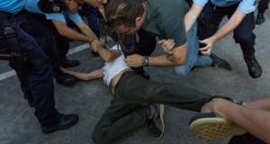 Jandarmeria, mesaj lacrimogen pentru protestatari după incidentele de miercuri. Dar nu cere scuze