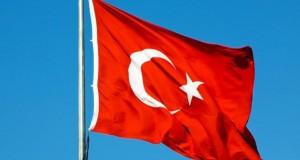 Partidul preşedintelui Erdogan legiferează combaterea terorismului după încetarea stării de urgenţă