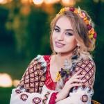 """Interpreta de muzică populară Francesca Isabelle Wettengel o artistă pe placul tuturor românilor-""""Te alung și iar te chem"""" prima melodie de suflet din viața artistei"""