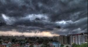 COD GALBEN de ploi şi furtuni în Capitală şi în mai multe judeţe