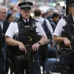 Focuri de armă la Londra. Trei persoane au fost împuşcate în apropierea unei staţii de metrou